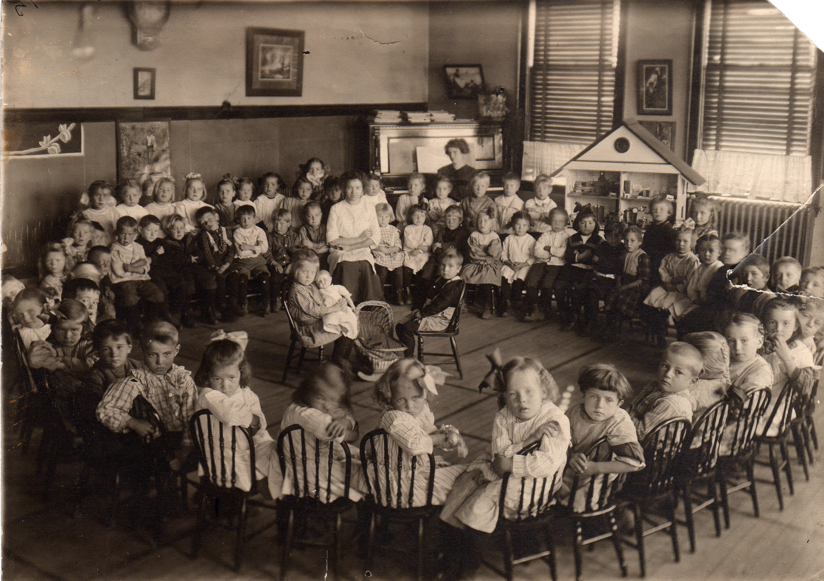 Aurora Elem. 1911, Miss Coffin teacher