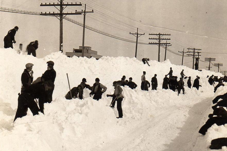 Digging out after snowfall, Feb 1939